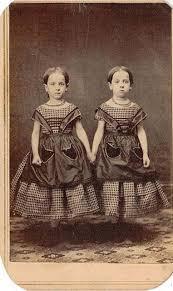 Le gemelle di Portland. Fonte: www.vanillamagazine.it