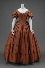 L'evoluzione della moda in epoca vittoriana